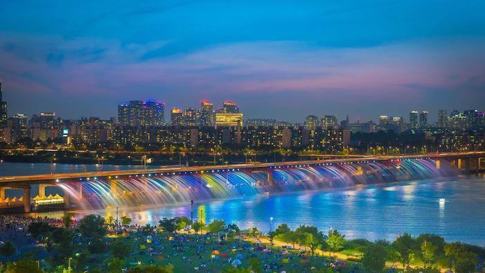 Hangang River Banpo Bridge