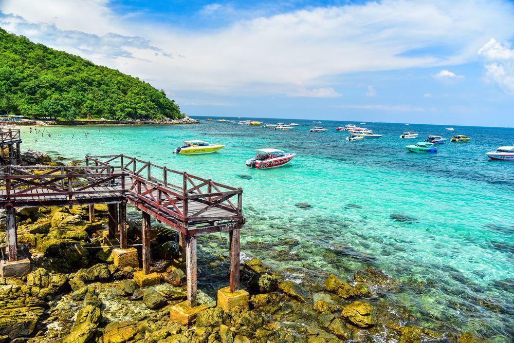 Koh Larn Island beach at Pattaya