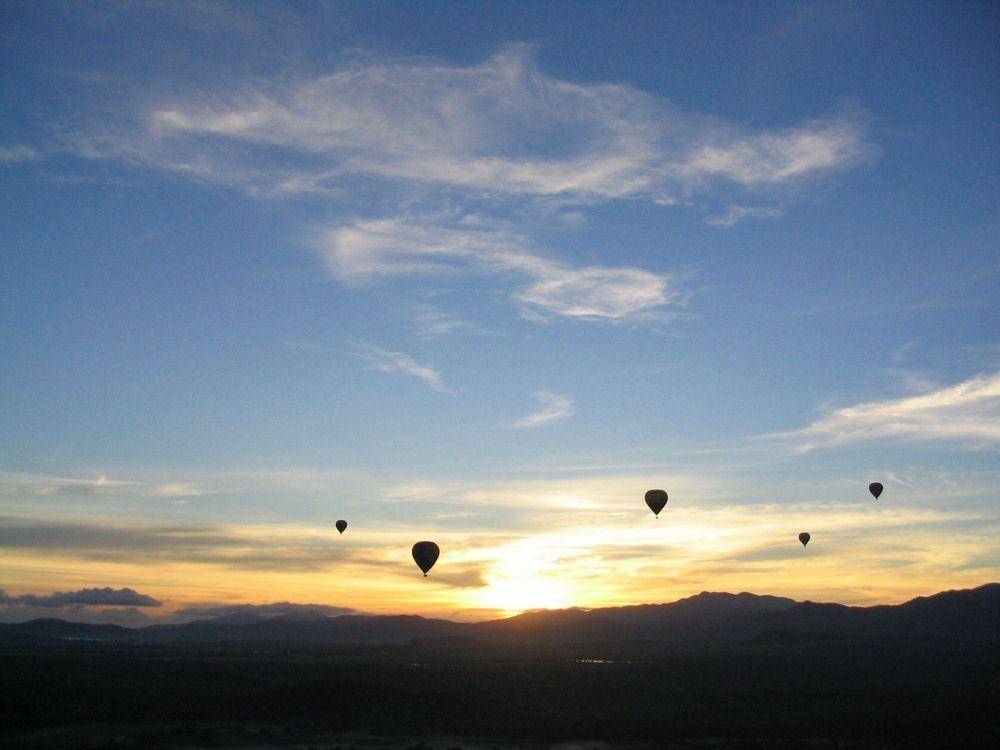 Hot air balloon in Cairns