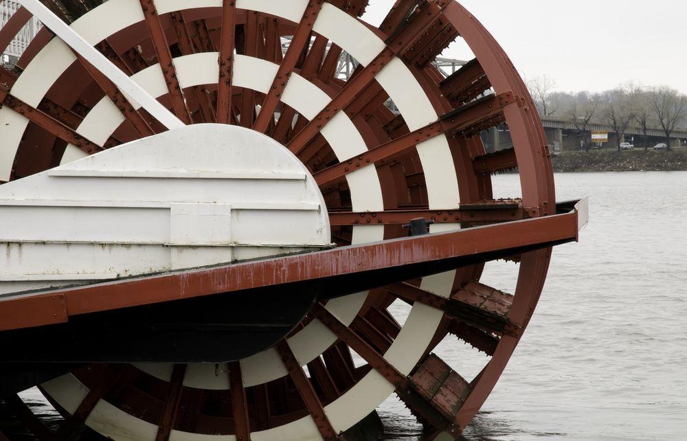 Paddlewheel of tourist boat in Peoria