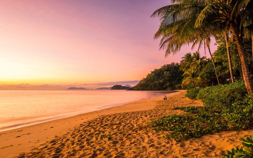 Sunrise in Trinity Beach, Cairns