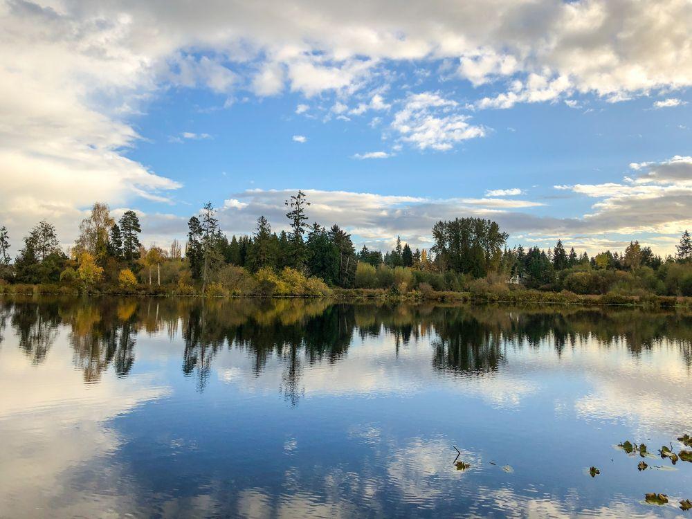 Larsen Lake