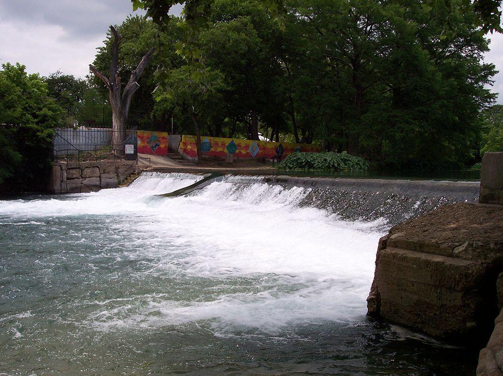 Rio Vista Dam