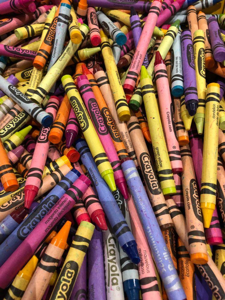 Pile of Crayola crayons at Crayola Experience