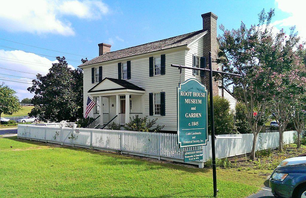 William root house museum and Garden in Marietta