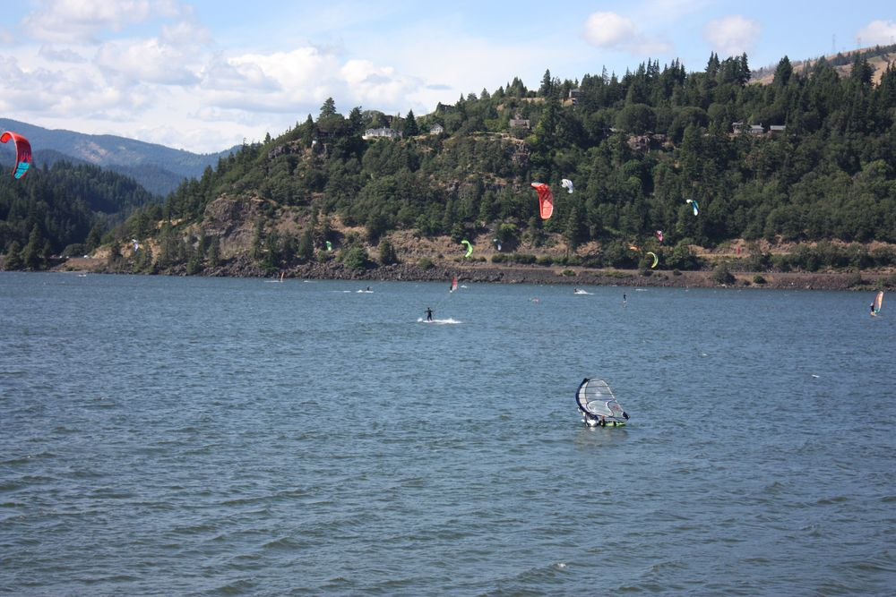 Windsurfing in Hood River