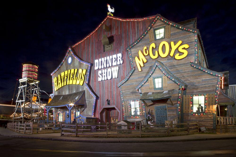 Hatfield &McCoy Dinner Show