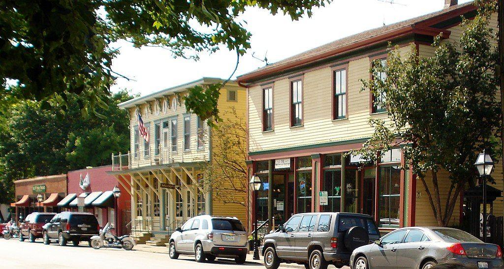Shops and restaurants at Village of Eastern Davenport