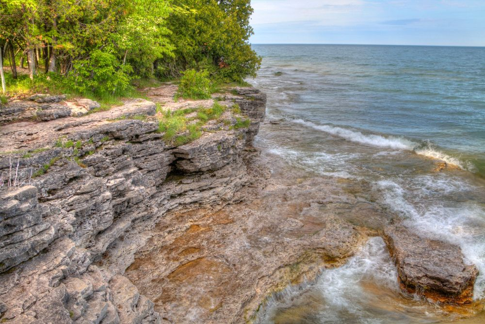 Cave point at Whitefish Dunes State Park