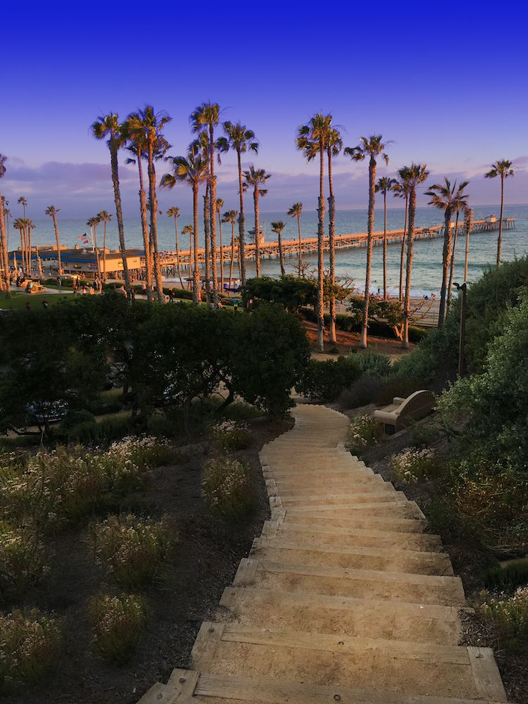 San Clemente steps to beach and pier