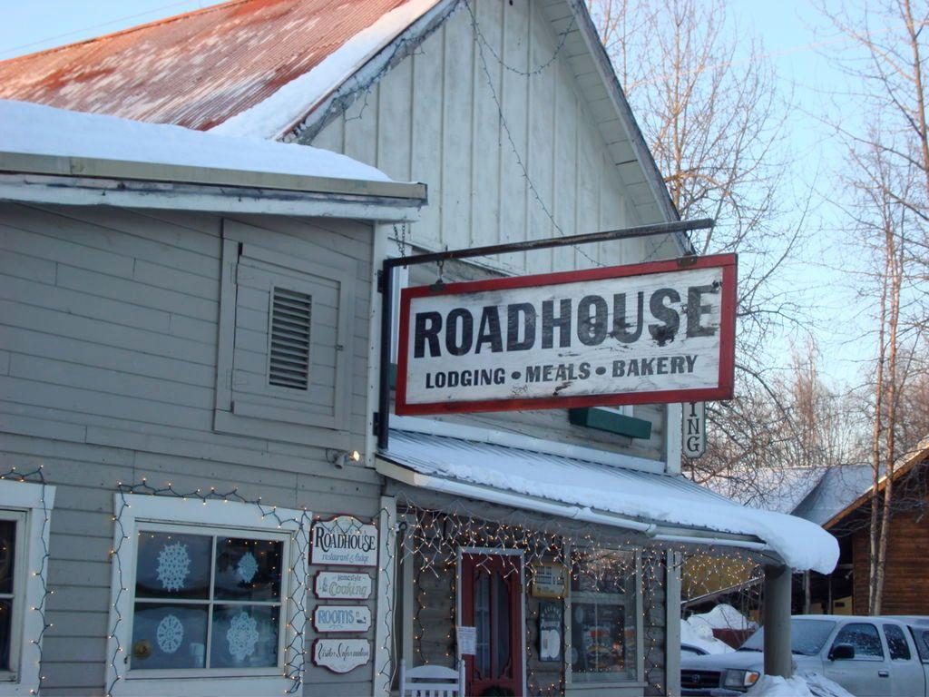 Roadhouse Inn