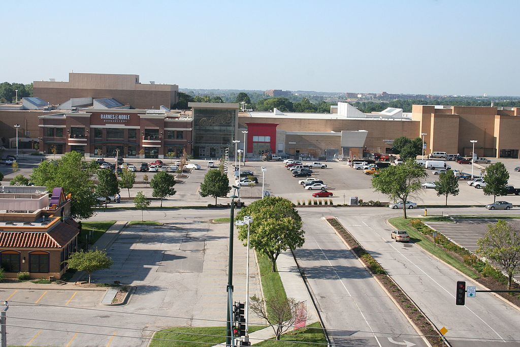 Aerial view of Oak Park Mall at Overland Park