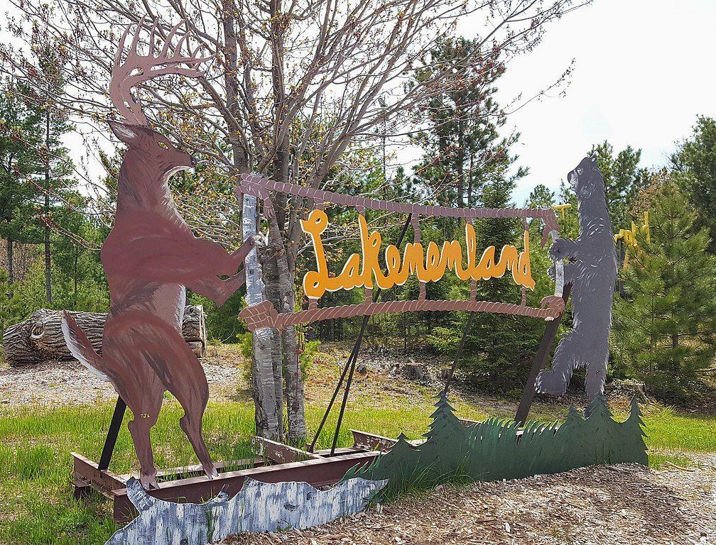 Lakenenland Sculpture Park