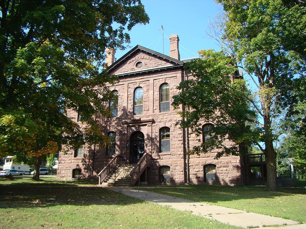 Old Bayfield County Courthouse