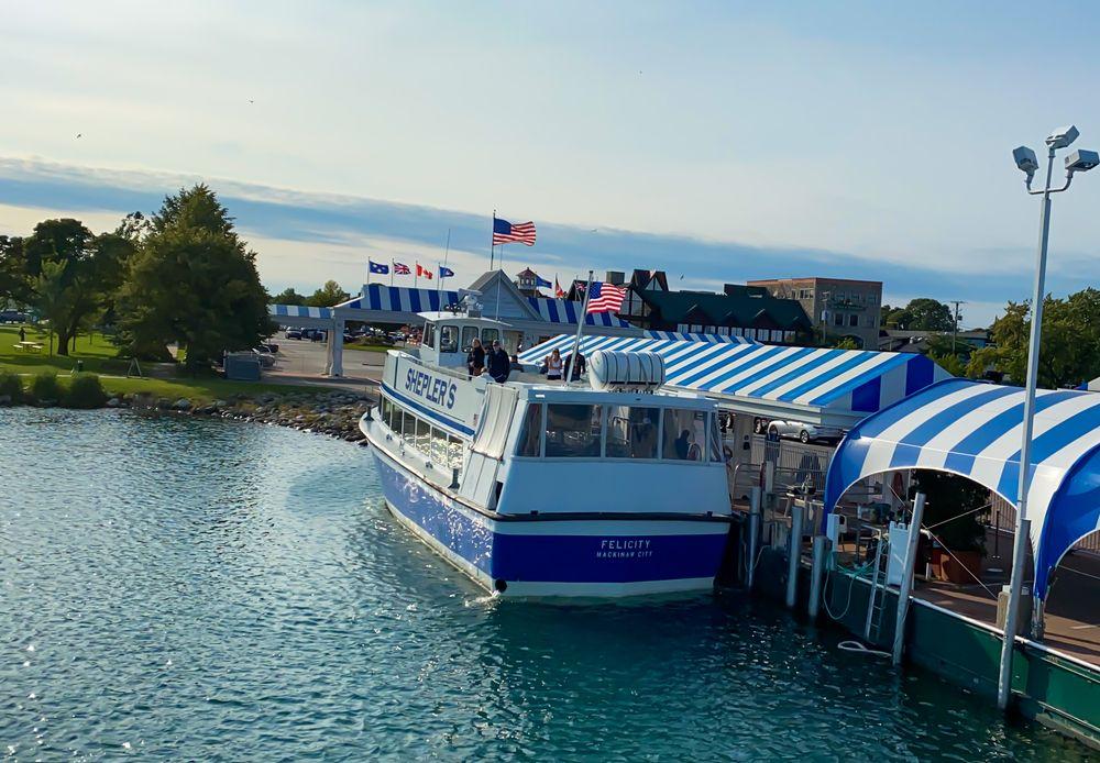 Cruise in Mackinac Island