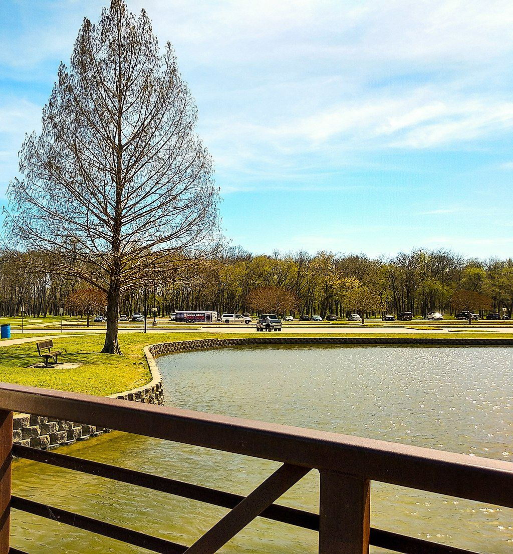 Towne Lake Park at Overland Park