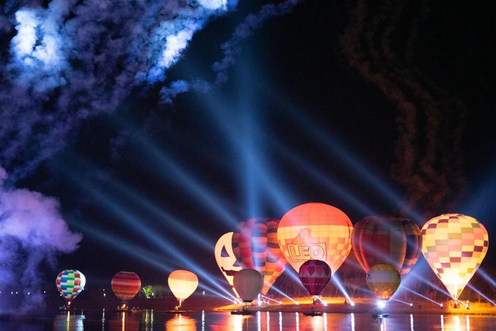 Hot Air Balloons in Singha Park
