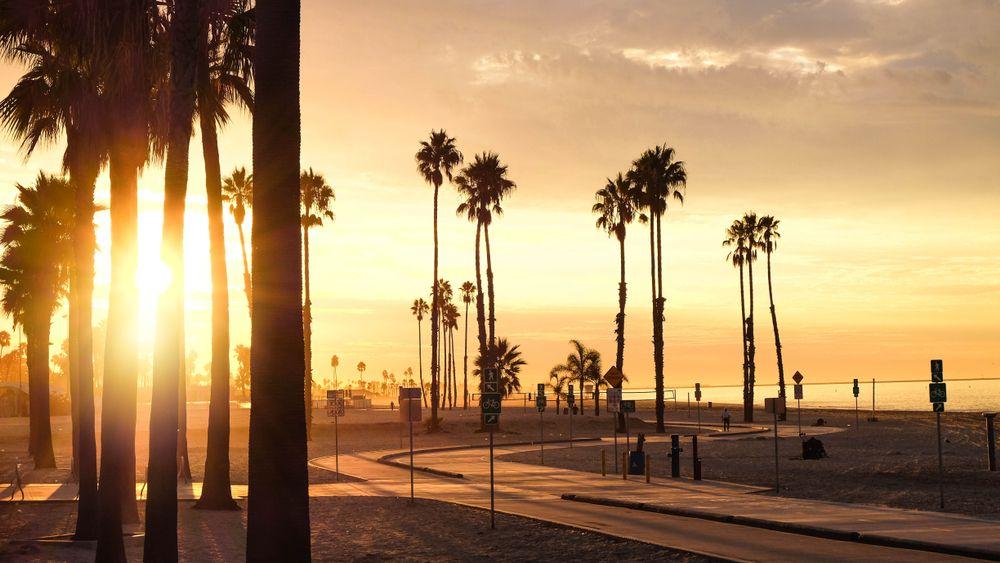 Sunset in Belmont Shore Beach