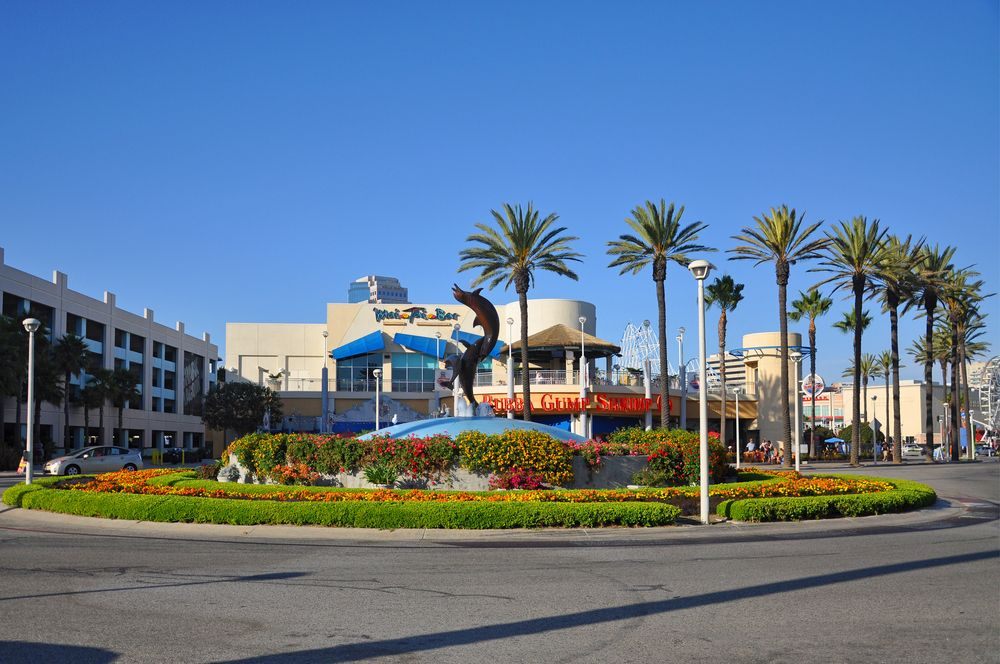 Outside view of the Aquarium of the Pacific