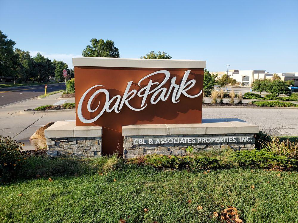 Outside Oak Park Mall at Overland Park