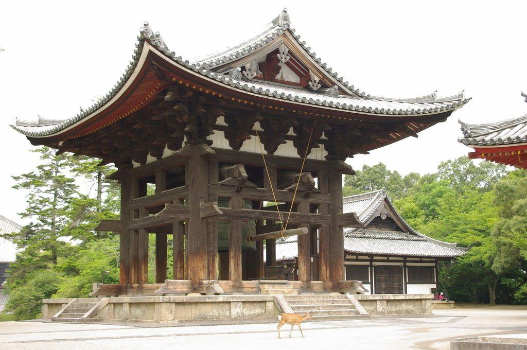 Glockenturm in Temple Todai-ji