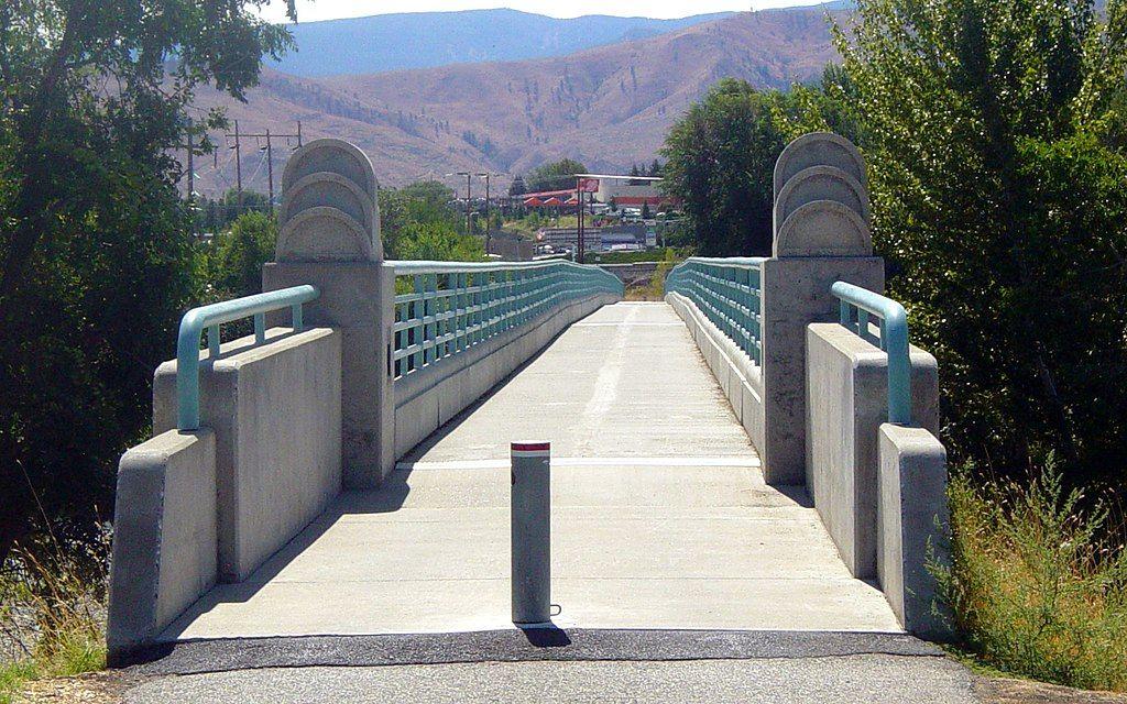 Foot bridge in Apple Capital Recreation Loop Trail