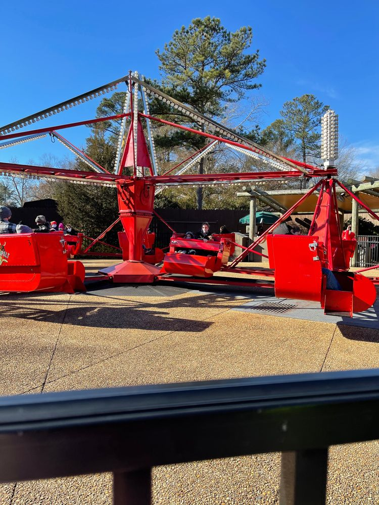 Le Catapult ride at Busch Gardens Williamsburg