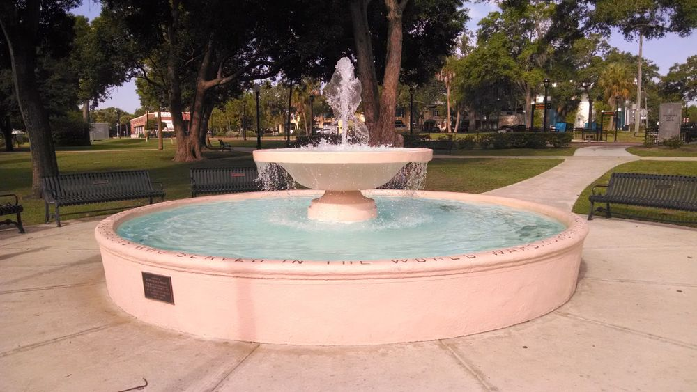 Fountain at Central Park in Winter Park, FL
