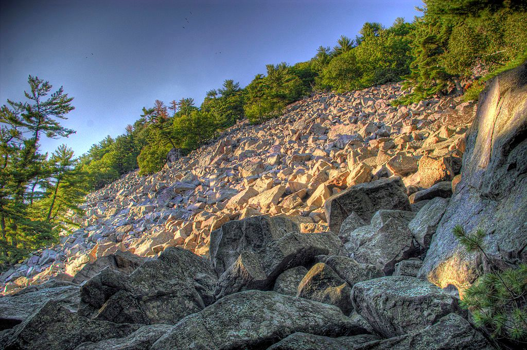 Boulders at Devil's Lake State Park