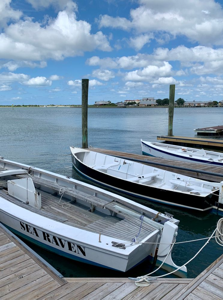 Boats outside North Carolina Maritime Museum