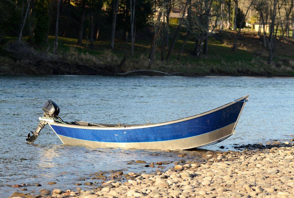Boating in Umpqua River