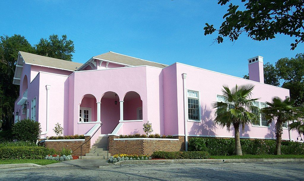 Outside Woman's Club of Winter Haven