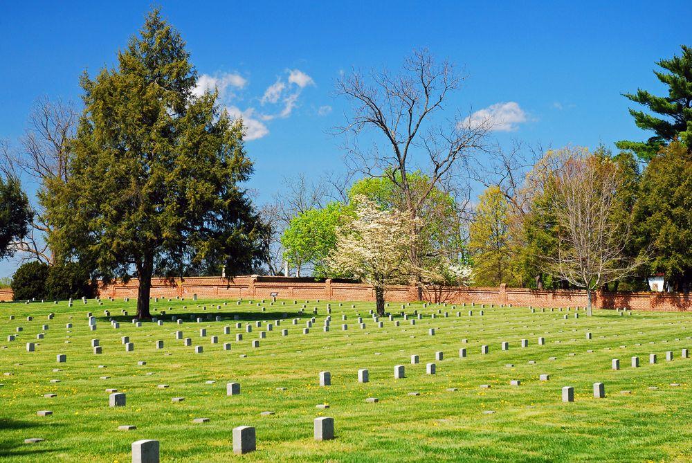 Graves in Fredericksburg National Cemetery