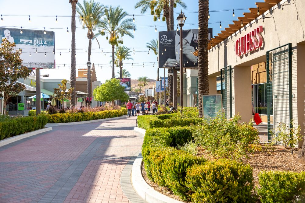 Outside View at Outlets