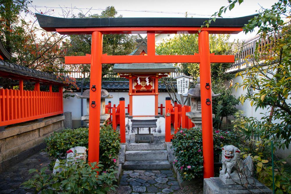 Small shrine in Naramachi