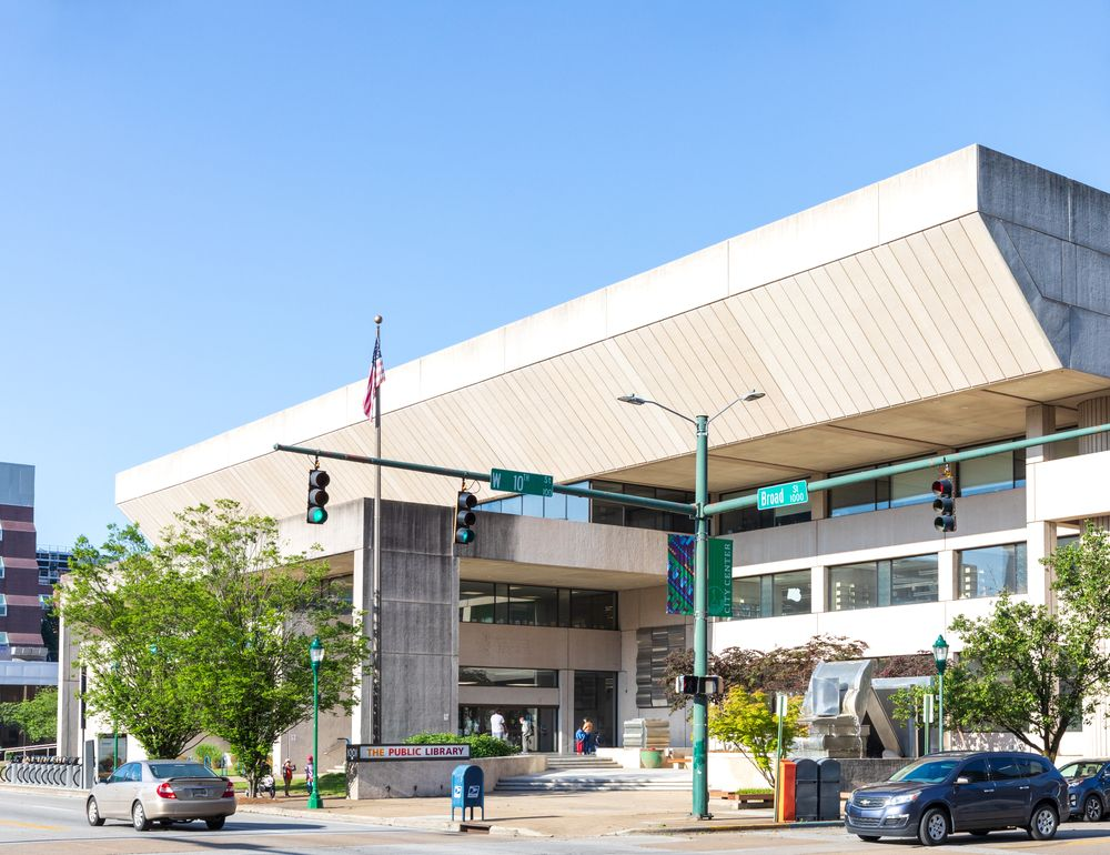 Outside view of Chattanooga Public Library