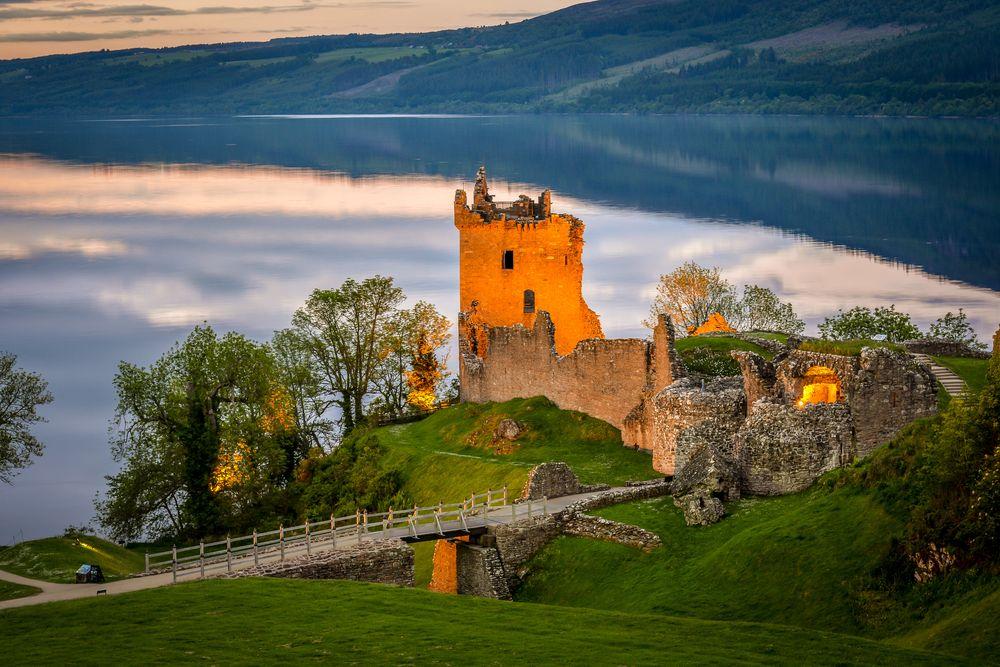 Wiew of Urquhart Castle
