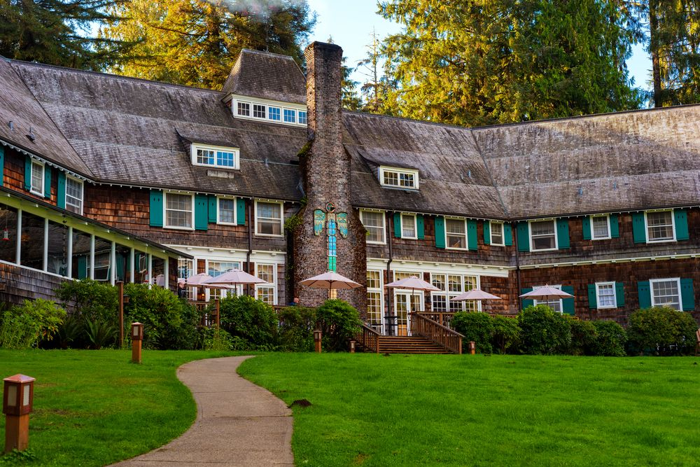 Lake Quinault Lodge in Olympic National Forest