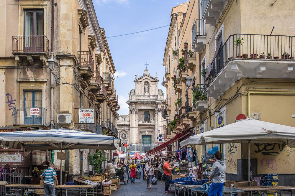 "The ""Fera ´o Luni"" in Sicily"