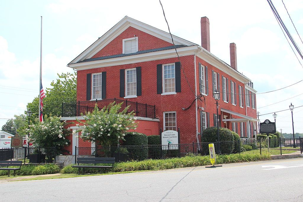 Outside View of Dawson County Historic Courthouse