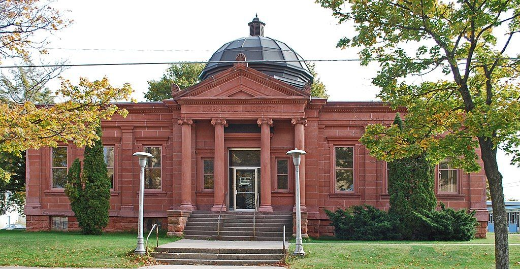 View of Escanaba Public Library