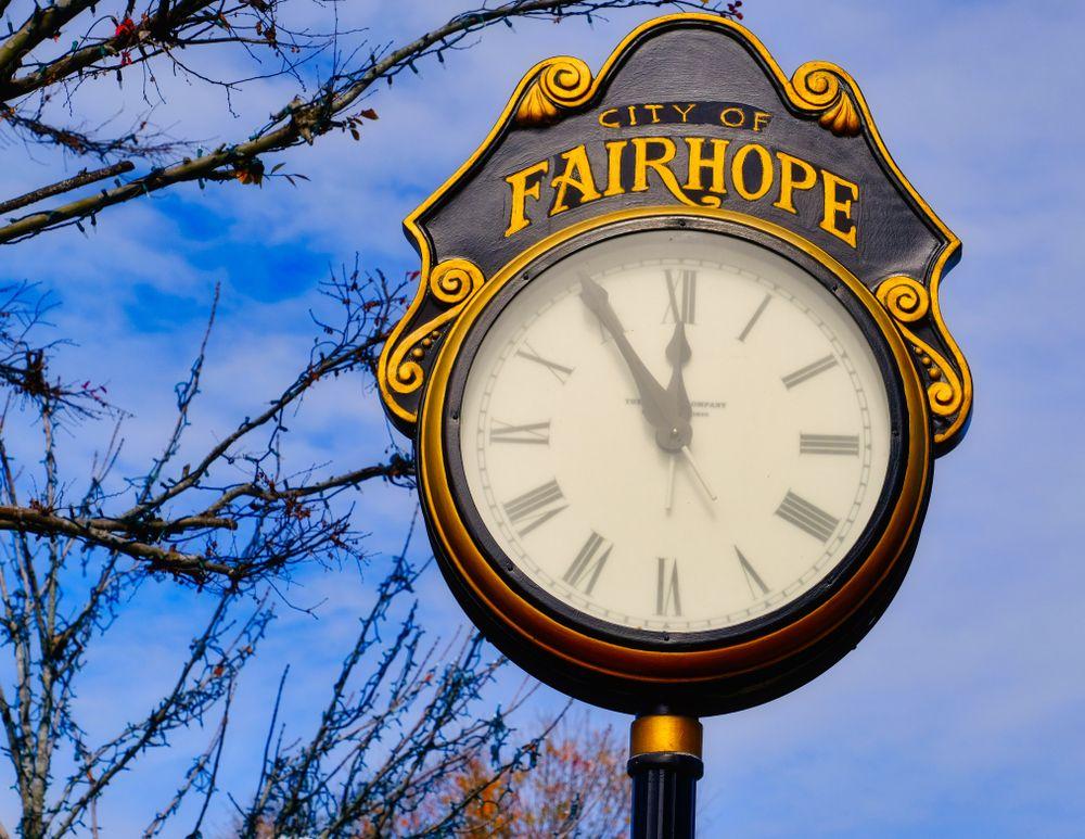 Street clock in Fairhope Downtown