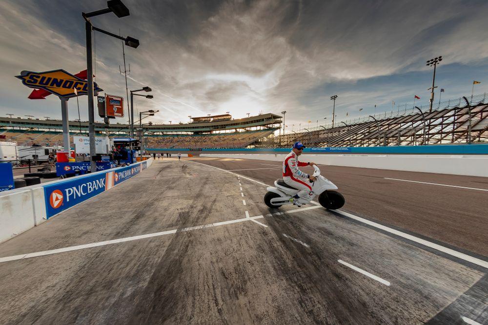 Racing Cars at Phoenix Raceway